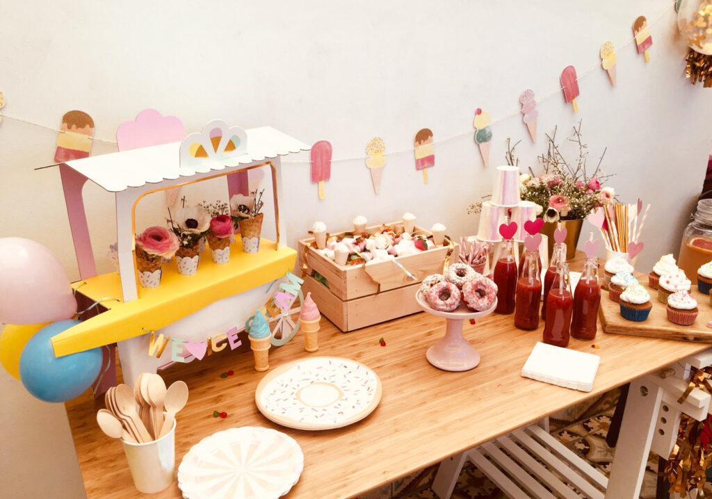 Autre vue d'ensemble sur la magnifique table de fête ice cream party !